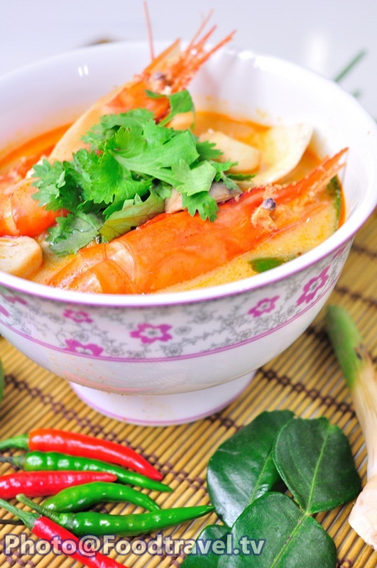 spicy river prawns soup with young coconut tom yum koong nam kon ma