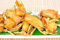 Fried Shrimp Patty with Almond (Tod Mun Goong Klueb Almond